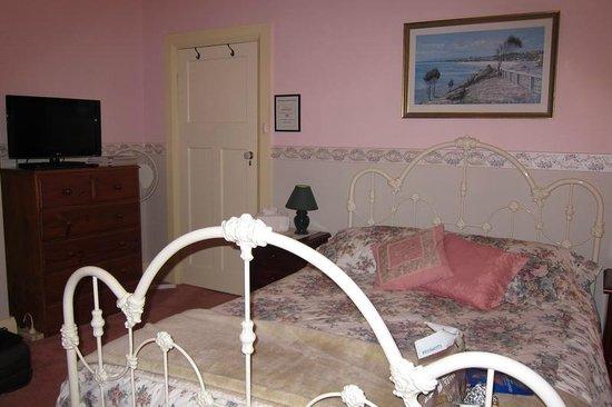 Donalea Bed & Breakfast: Room