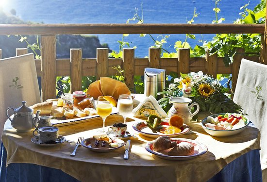 Furore, Italy: Breakfast