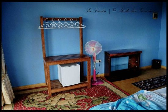 View Point Villa: well maintained bed room