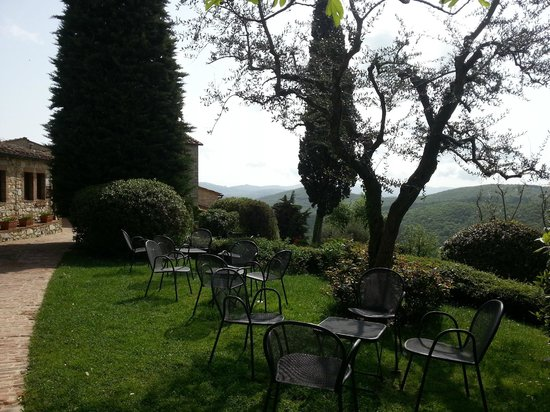Il Borgo di Vescine - Relais del Chianti: garden
