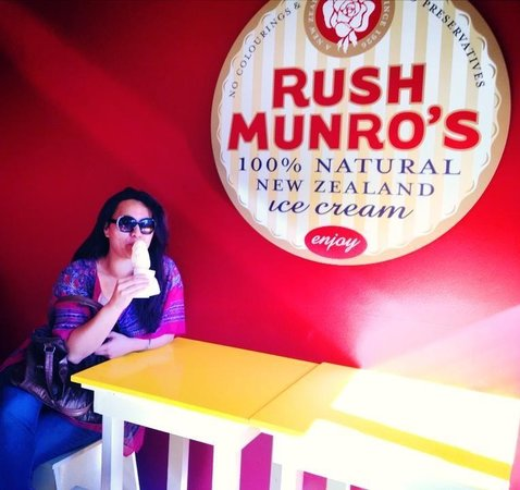 Rush Munro's: Enjoying a Rush Munroe Malted Milk Ice Cream!!