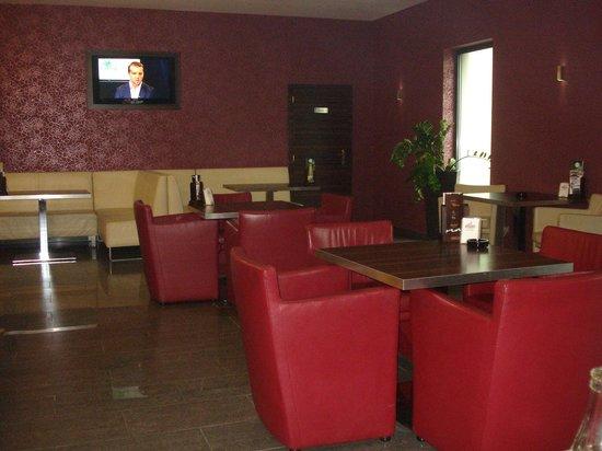 Gallery Cafe, parte de Hotel Magnus