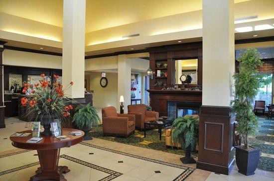 Hilton Garden Inn Sonoma County Airport: Lobby