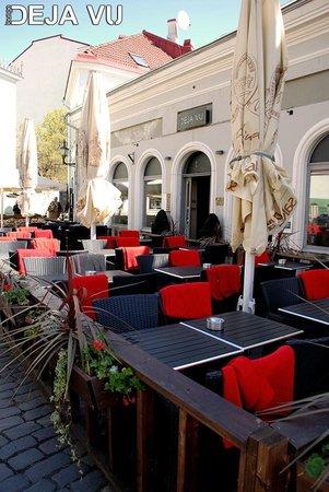 Lounge Deja Vu