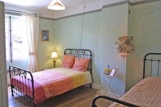 Serres-sur-Arget, Frankrike: Double room (1)