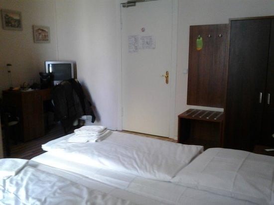 Kult-Hotel Auberge: Twin Room
