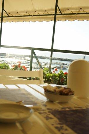 Hotel Scogliera: Colazione vista mare