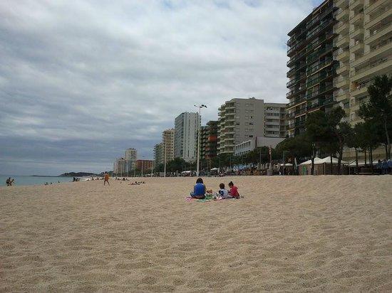 Hotel Bell Repos: la plage à côté