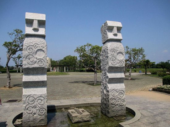 Enshunada Kaihin Park: 北地区の石のオブジェ