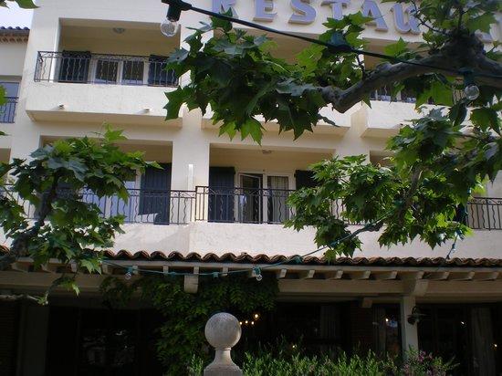 Hôtel de la Plage - HDLP : terrasse fleurie