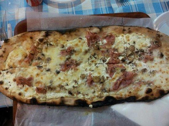 Pizzeria Da Cardone: pizza cotto e funghi