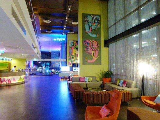 Aloft Bangkok - Sukhumvit 11: lobby