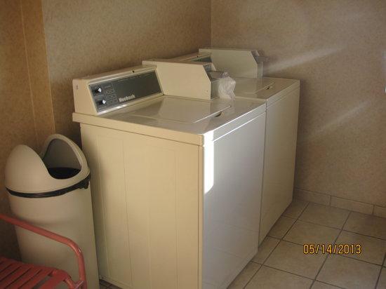 Comfort Inn I-90: Guest laundry