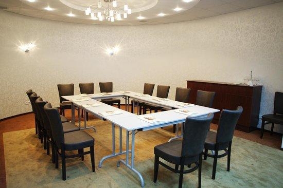 Kozatskiy Stan Hotel: Room of negotiations – 1