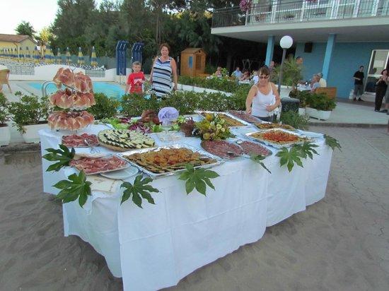 Hotel Internazionale: Repas de gala à la plage