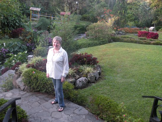 Hotel Dos Rios: I am in the garden, it is beautiful