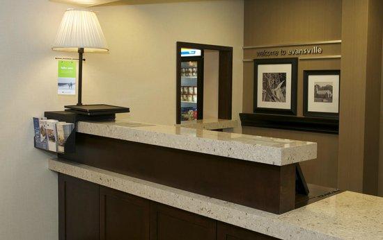 Front Desk Hampton Inn Evansville