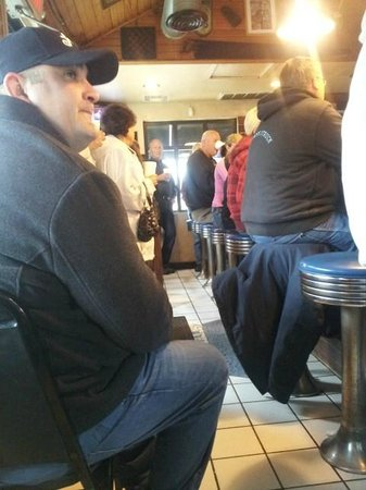 Nic's Grill: The crowd is part of the experience.