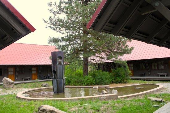 Sleeping Lady Mountain Resort: fountain cabins