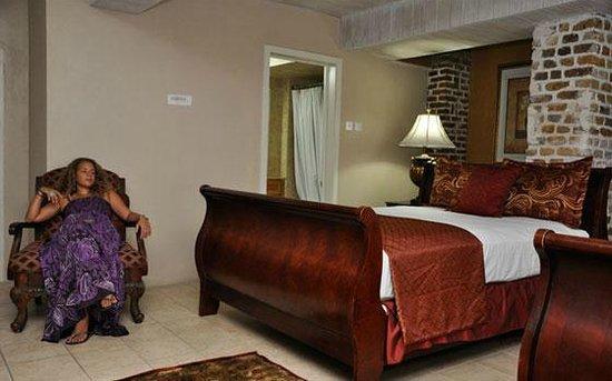 The Cobblestone Inn: Suite