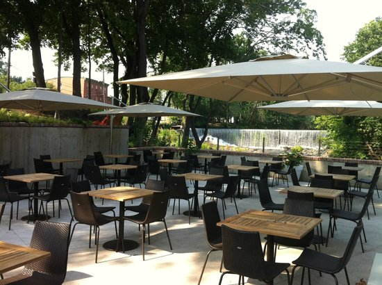 The Roundhouse: The Patio