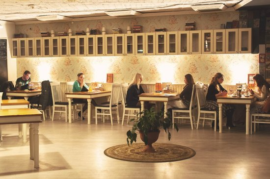 Schastye: Уютный верхний зал