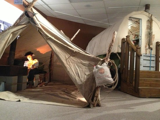 Basque Museum & Cultural Center : Shepherd's tent and RV