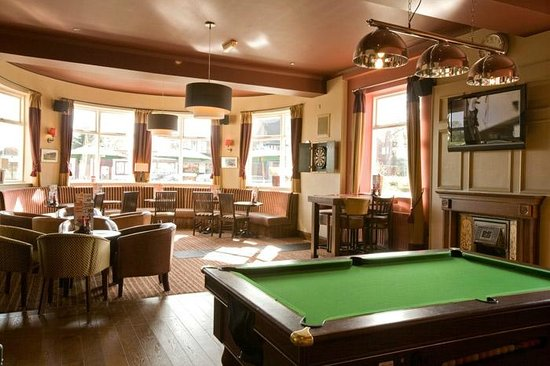 The Wolds, Hungry Horse: Bar area with pool table