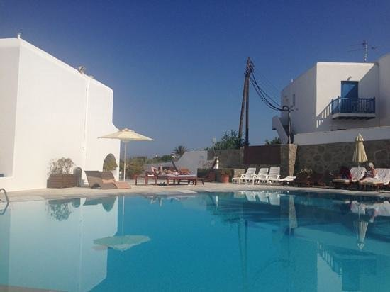 Poseidon Hotel - Suites: Pool area