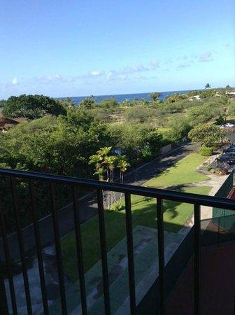 Courtyard King Kamehameha's Kona Beach Hotel: テラスから