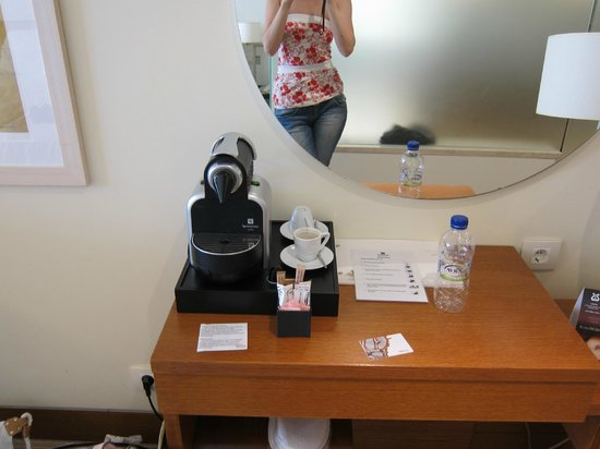 The Westin Athens Astir Palace Beach Resort: coffee machine in the room