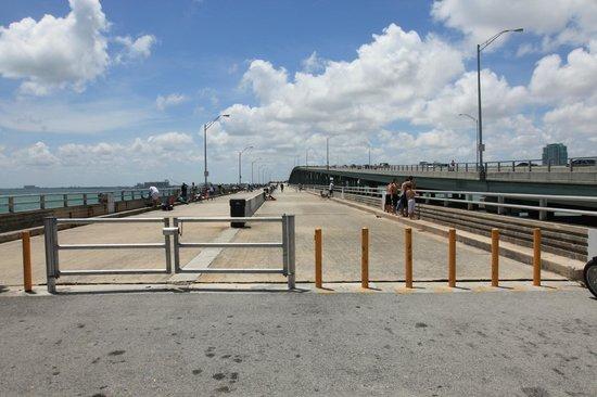 Bill Baggs Cape Florida State Park: il vecchio ponte a lato della Rickenbacker Causeway