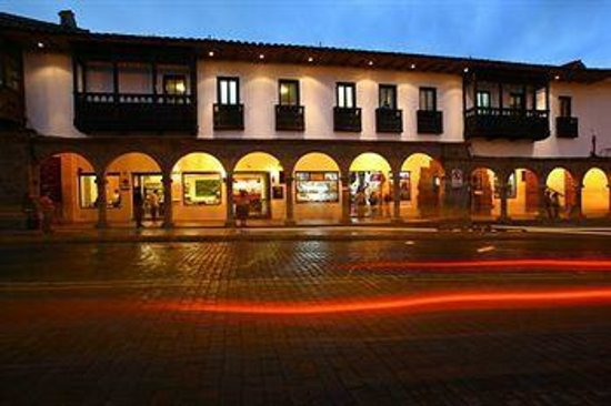 Casa Andina Standard Cusco Plaza: Front of Hotel