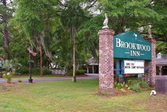 Brookwood Motel : Entrance View