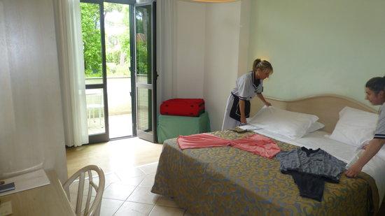 Hotel Acapulco: preparazione camera