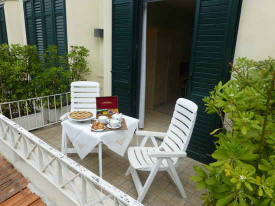 Hotel Acapulco: terrazza vista giardino