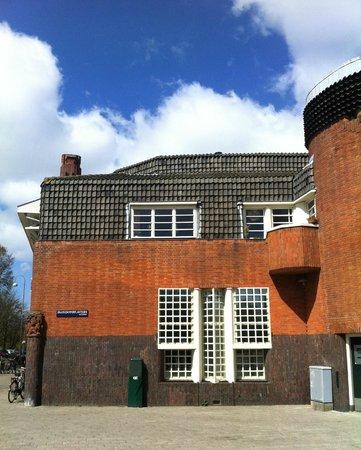 Museum Het Schip: Postkantoor Amsterdam School
