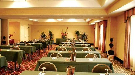 Hilton Garden Inn Gilroy Hotel Meeting Room