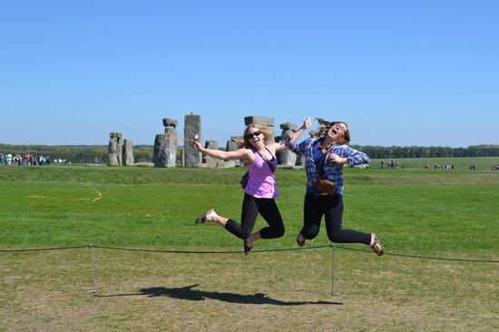 ดิอิงลิชบัส -  เดย์ทัวร์: Stonehenge
