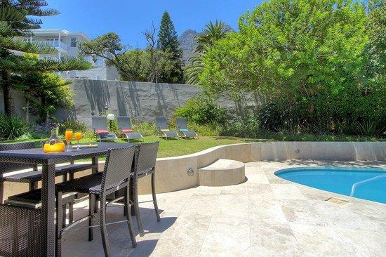 Vetho Villa : Pool Area