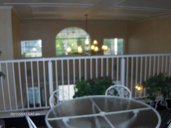 Comfort Inn: Balcony overlooking lobby