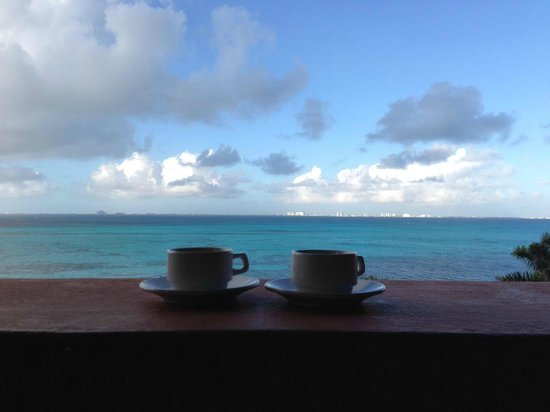 Casa de los Suenos: morning coffee... :)