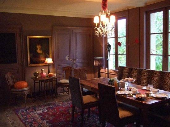 Le Clos Bourdet: ホテルの朝食の部屋