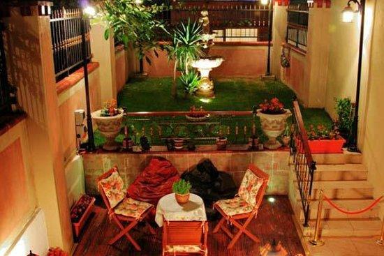 Orucu Palace Apartments: Our Piecefull Garden