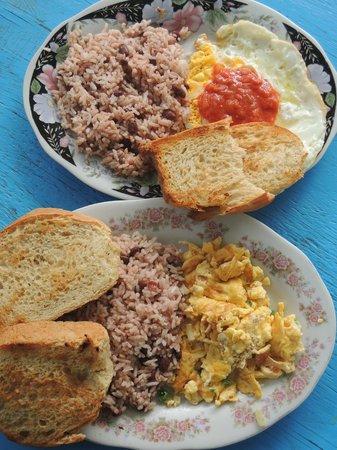 Rosas Restaurant: Desayunos