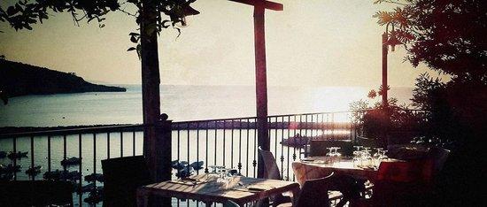 Trattoria Costamarina & Restaurant: tramonto dalla terrazza