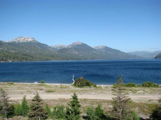 Amancio Hotel: Vista al Lago Meliquina