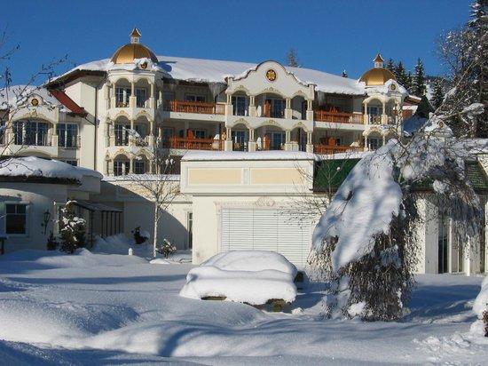 Hotel Peternhof: Das Kaiserschlößl im Schnee