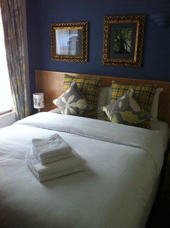 The Royal Oak Hotel : Royal Oak Bedroom