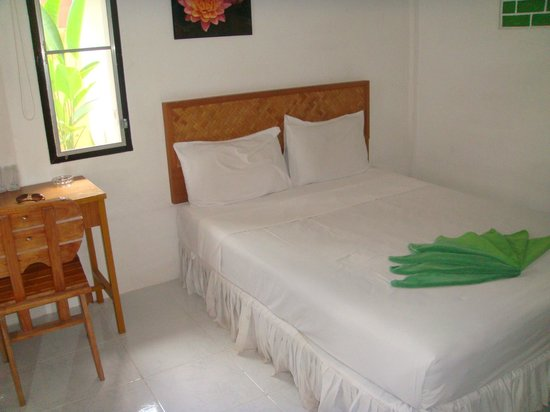Khaolak Banana Bungalows: my room